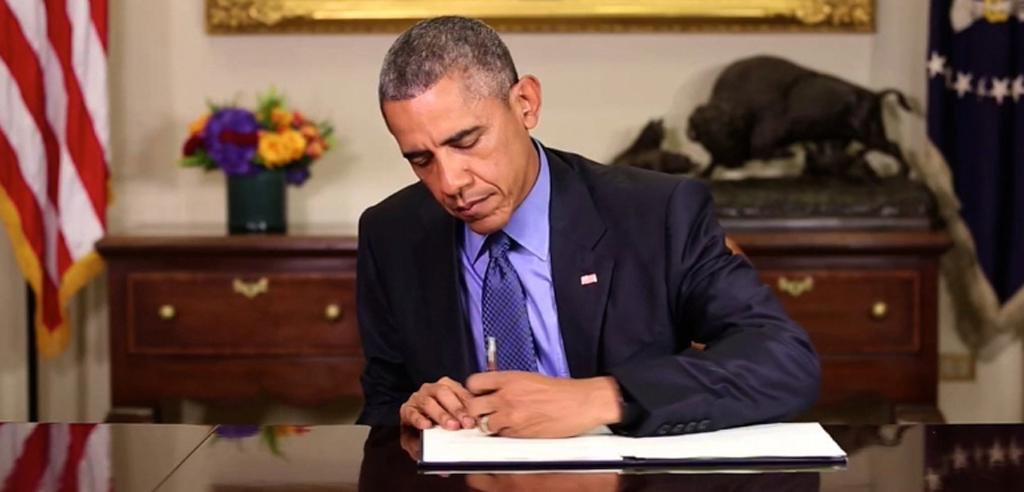 President Obama signs commutations for federal prisoners
